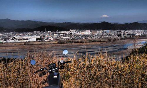 オートバイと大井川と富士山