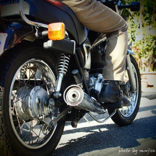 オートバイ乗車