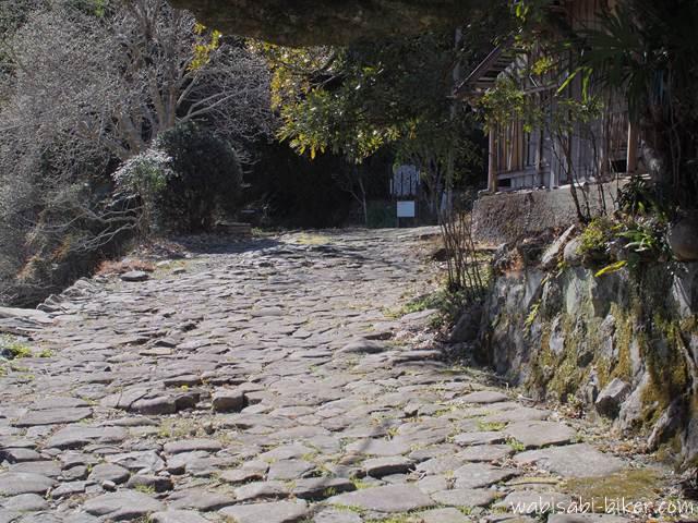河村家住宅の石畳
