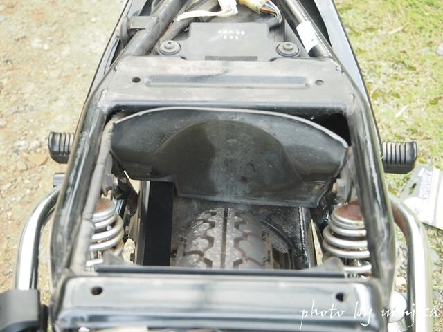 SR125のシート下