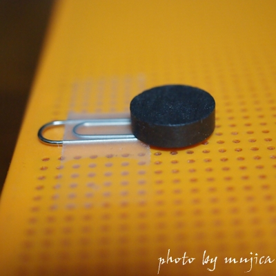 ドットビューケースに付けた磁石とクリップ