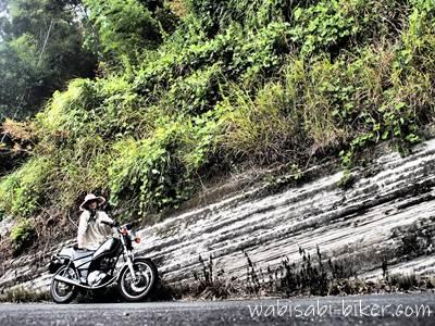 地層でバイクと自撮り