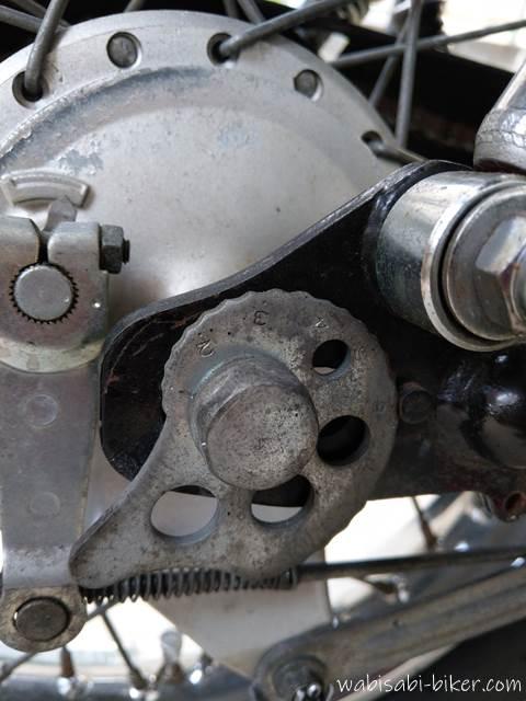 SR125 チェーン調整の部品