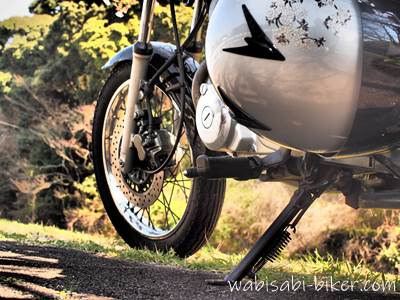 オートバイとヘルメット