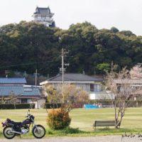 小山城とオートバイ