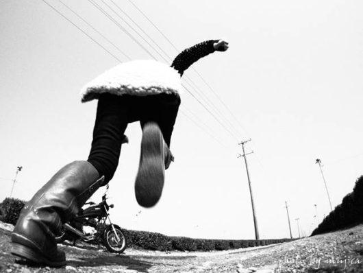 茶畑でバイクと自撮り