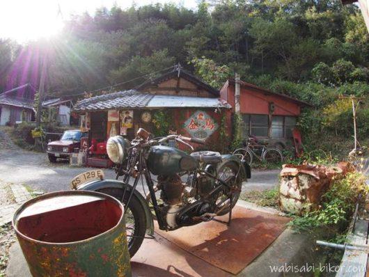 カフェのレトロバイク