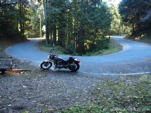 ヘアピンカーブとオートバイ