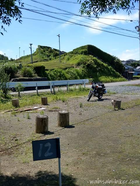 グランドゴルフ広場とオートバイ