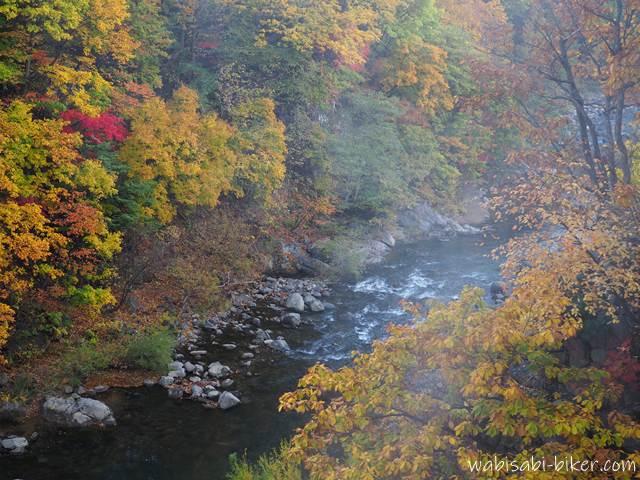 定山渓 豊平川の紅葉