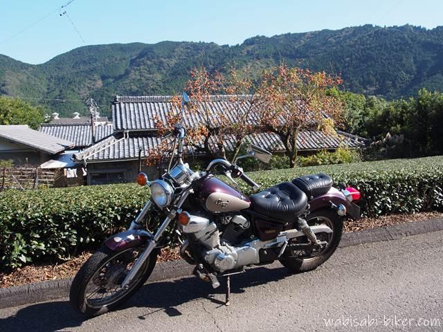 オートバイと神尾の集落