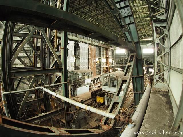 旧住友赤平炭鉱立坑櫓 2階から見た建物内部