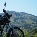 バイクで粟ヶ岳の「茶」文字を見に行った