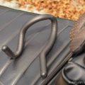 100均「自由に曲がる くねくねフック」☆バイク乗車時の一時的な荷物フックに使ってみた