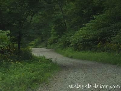 幌内炭鉱景観公園の砂利道