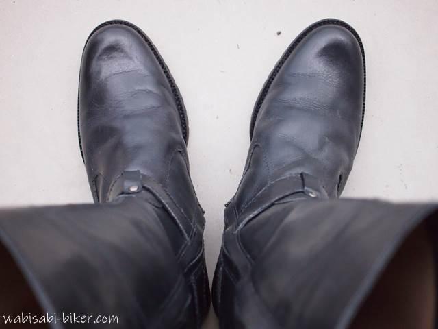 汚れを落としたブーツ