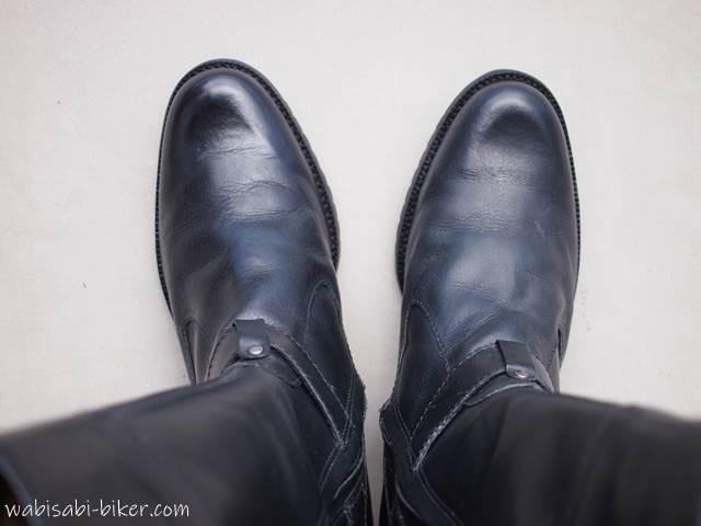 汚れ落としを塗ったブーツ