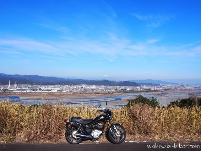 オートバイと大井川