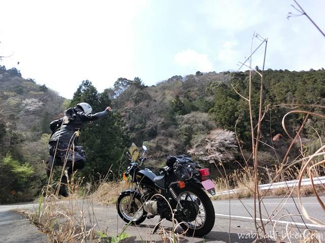 オートバイとジャンプ写真 自撮り