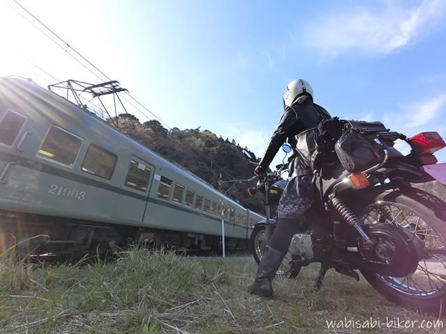 大井川鐵道 普通電車とオートバイと自撮り