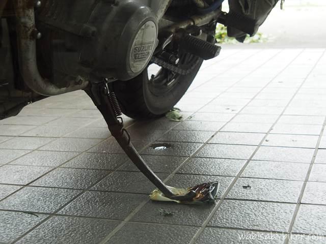 バイクと空き缶のサイドスタンドコースター